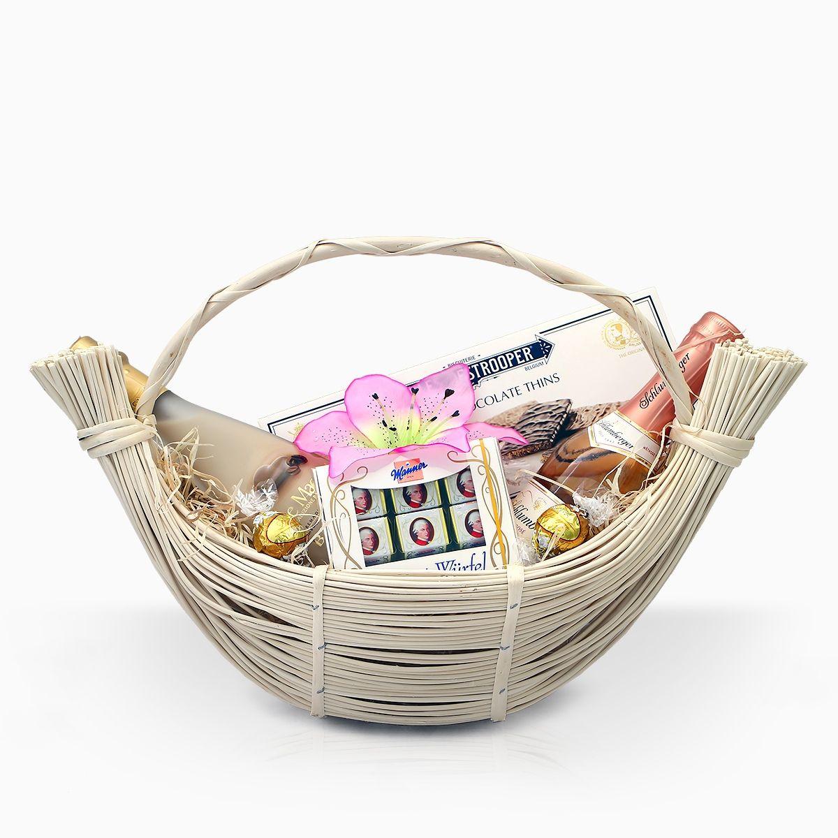 gift-basket-white-nights