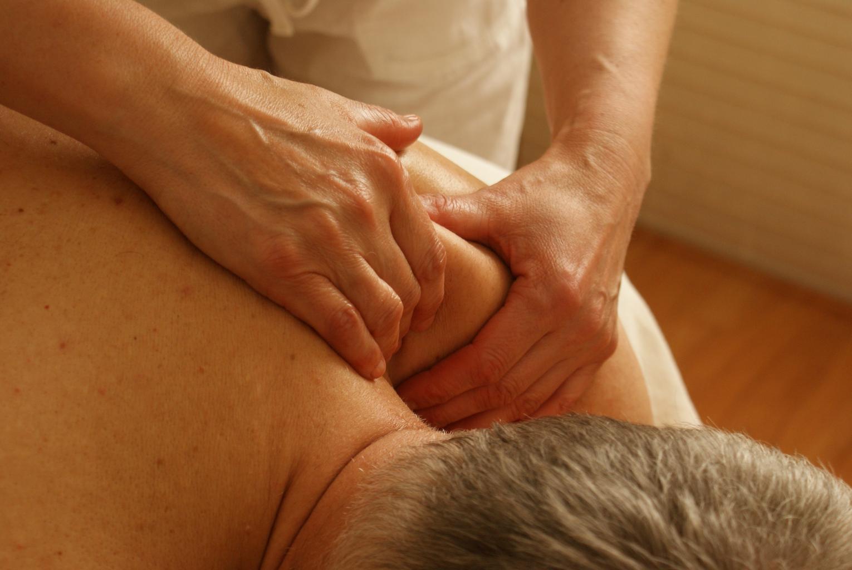 masáž ramien